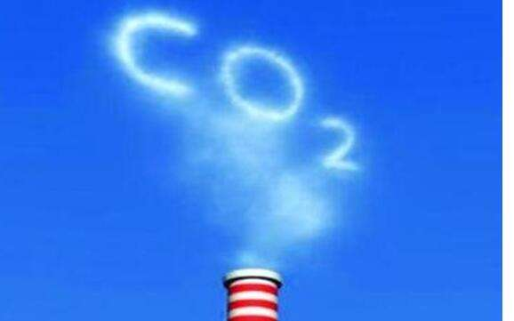 2011年10月,国家发改委批准在北京、上海、天津、重庆、湖北、广东和深圳开展碳排放权交易试点工作。在此基础上,作为2017年深化经济体制改革重点工作之一,今年将启动全国碳排放权交易市场。不过业内专家分析指出,多年试点取得了巨大成绩,但也存在继续解决的巨大难题。   距离全国碳市场启动的时间越来越近,外媒频繁报道、业界不乏各种猜测,到底这个碳市场会以怎样的新生姿态呈现在众人的面前,谜底或许也将很快揭晓。现在已经明确了是年底启动,最晚在12月份,目前一些准备工作正在有序进行当中。一位接近决策层的业内人士透